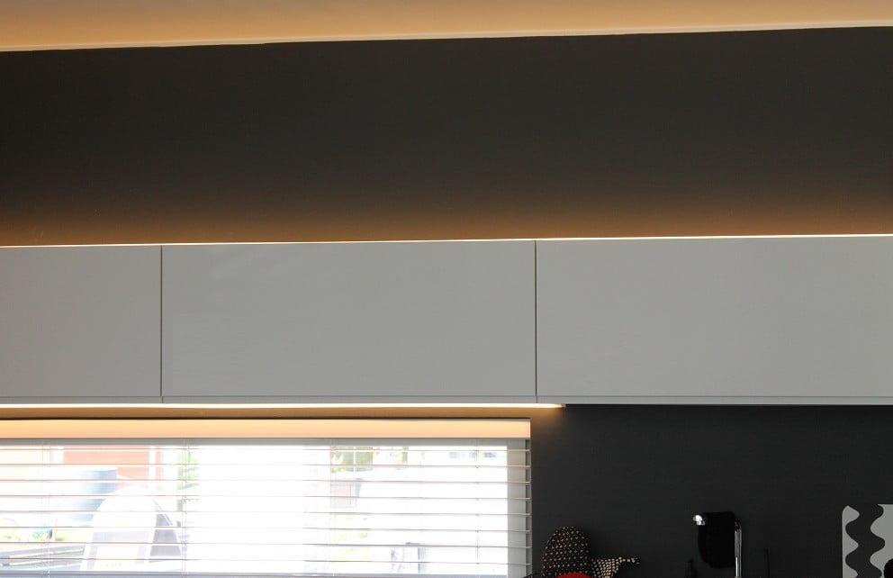 Led valot keittiön välitilaan?