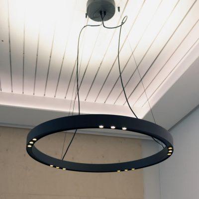 LED Ratas musta-messinki valaisin katossa LedStore.fi